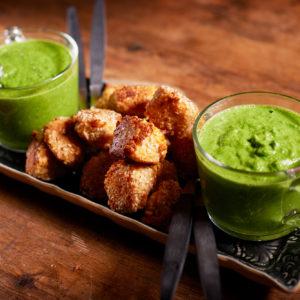 18_Grön soppa med sesampanerade fiskkakor