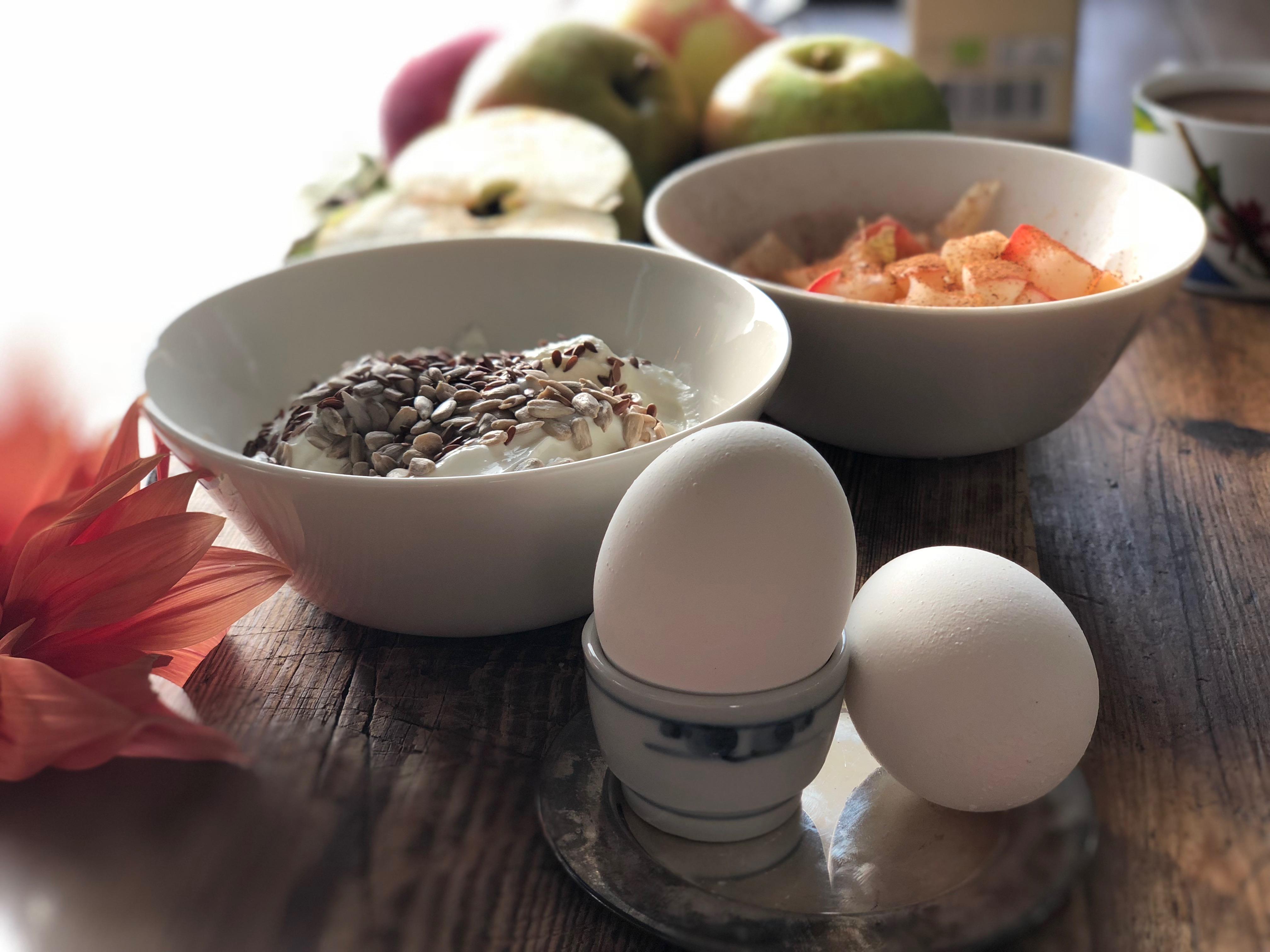 Ida Hallberg Frukost Ägg och Yoghurt med äpple